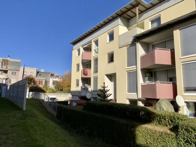 Großzügige 4-Zimmer-Wohnung mit Tiefgaragenplatz, Balkon und Lift!