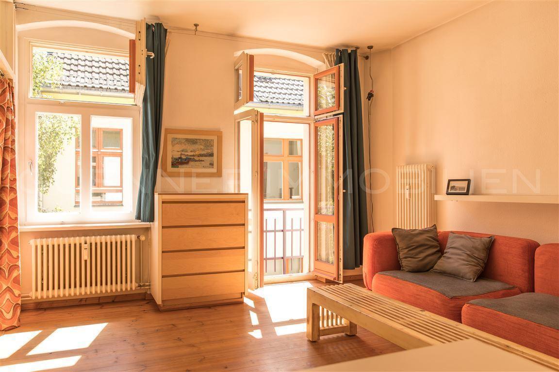 Helle und ruhige Atelier-Wohnung nähe Oranienplatz zu verkaufen!