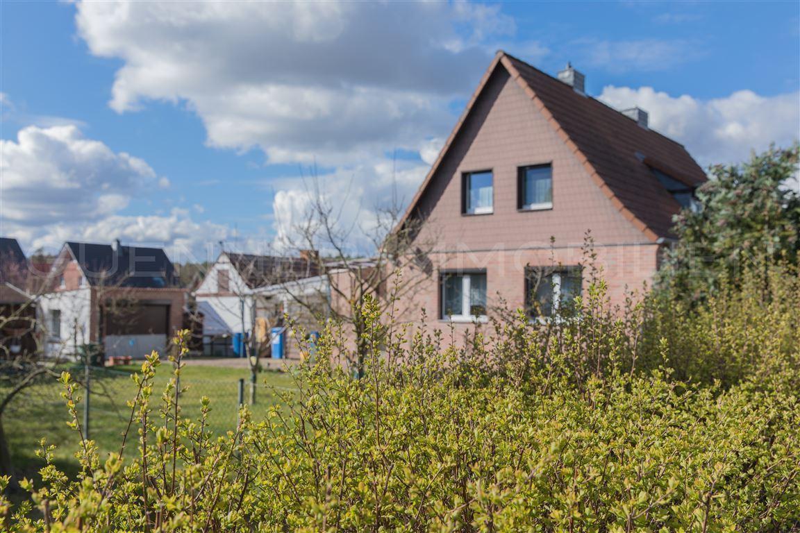 Sanierte Doppelhaushälfte in Premium Lage von Ludwigsfelde zu verkaufen. Erweiterung möglich!