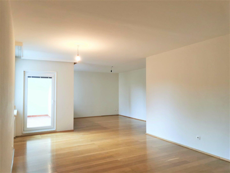 Schöne großzügige 4-Zimmerwohnung in Baden!