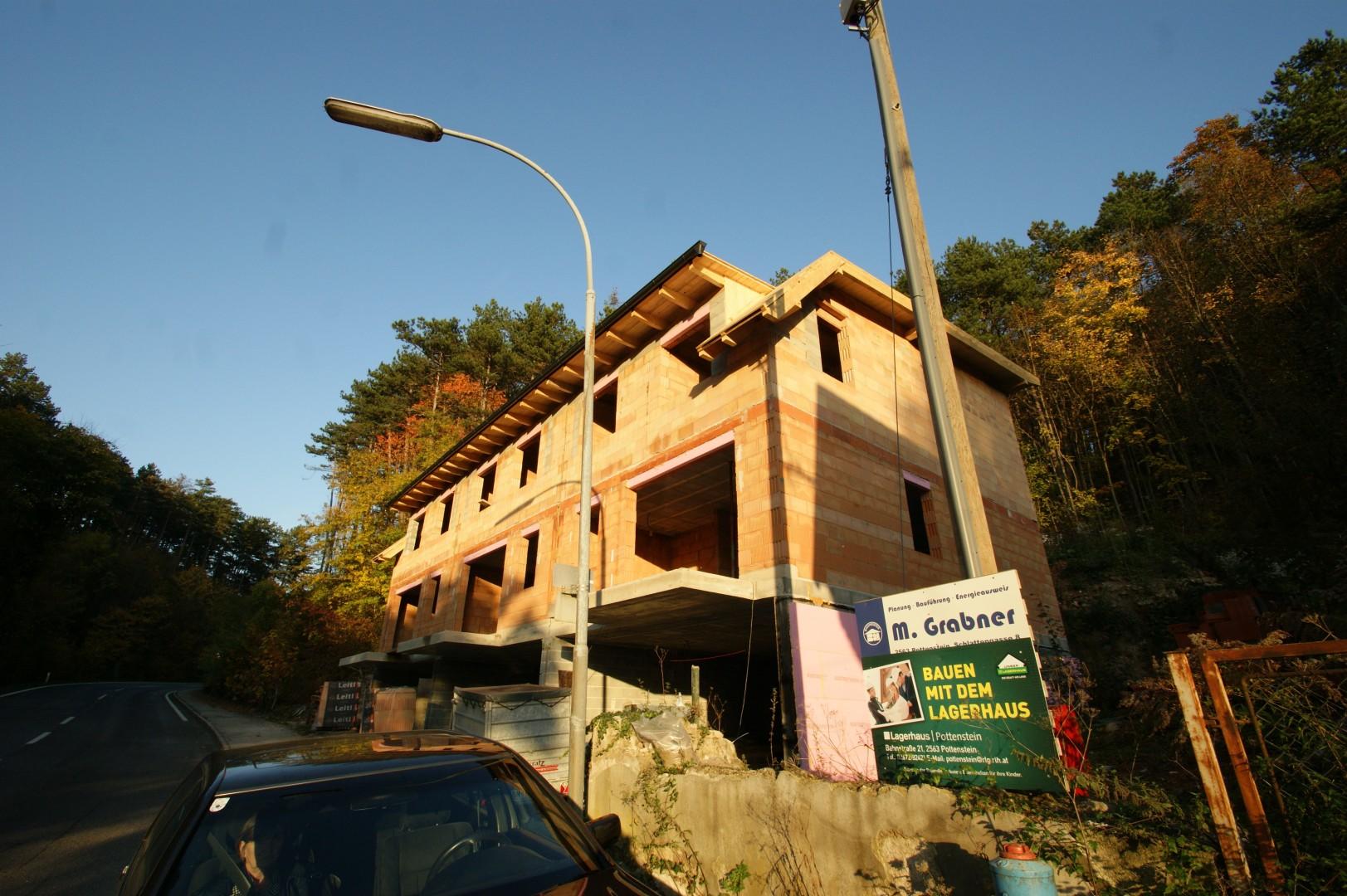 Rohbau auf 3 Ebenen incl. Dach  am Waldesrand mit Balkon und Terrasse
