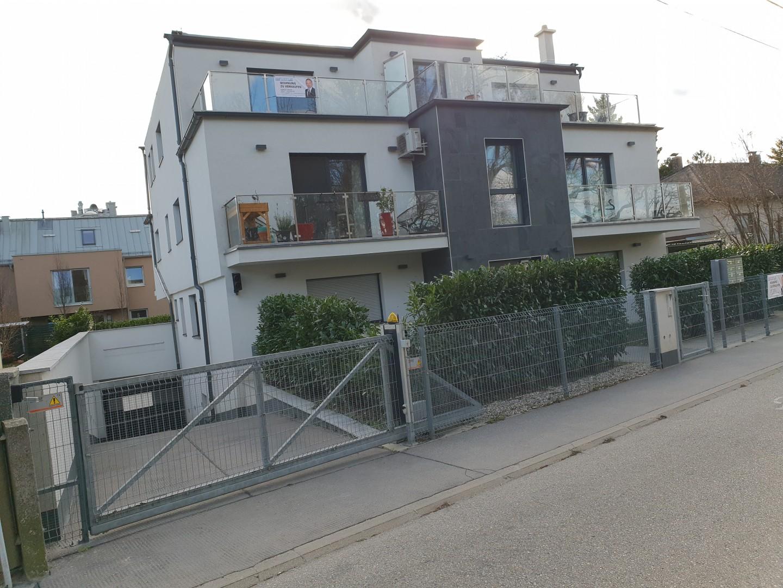 Neuwertige 3 Zimmer - Terrassenwohnung mit Klimaanlage !!
