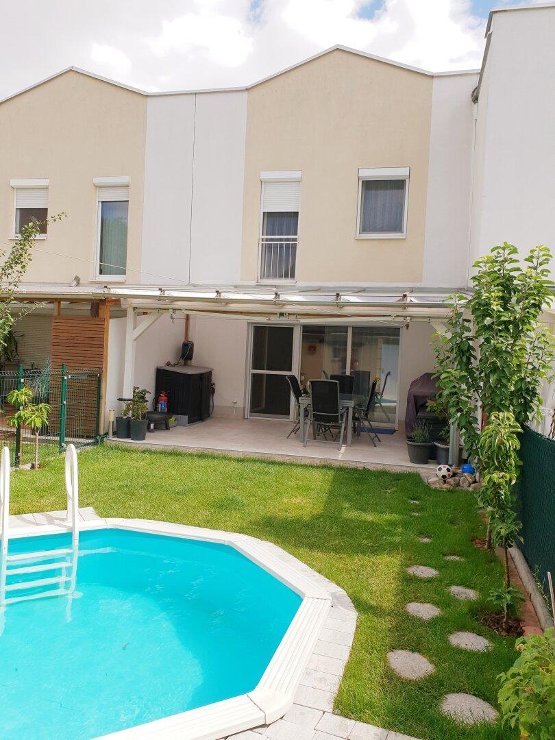 Reihenhaus mit Garten + Pool zu verkaufen!